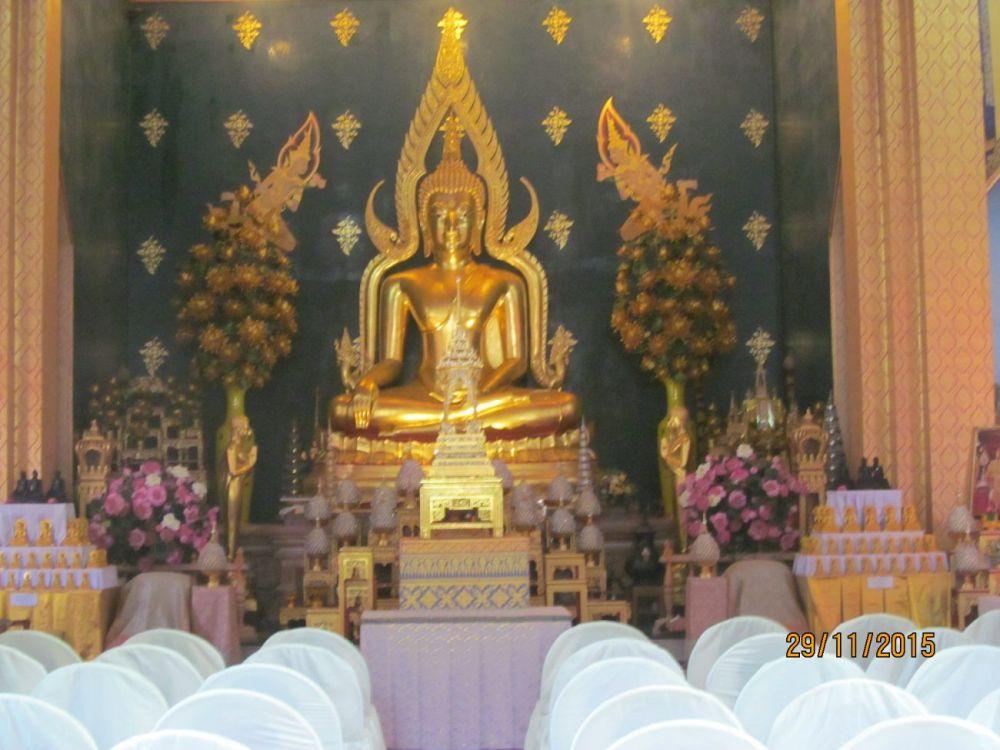 Thai Monastery buddha